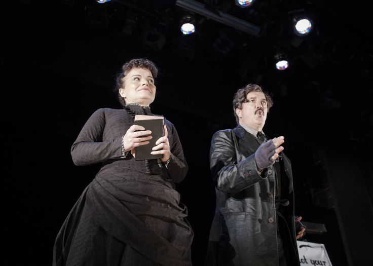 Jackie Marks & Mark O'Regan in Threepenny Opera at the Gate Theatre