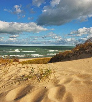 Chesterton, Indiana.  Indiana Dunes State Park #AlltheBrightPlaces #Wander