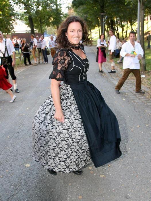 Christine Neubauer 2007 | Dirndl