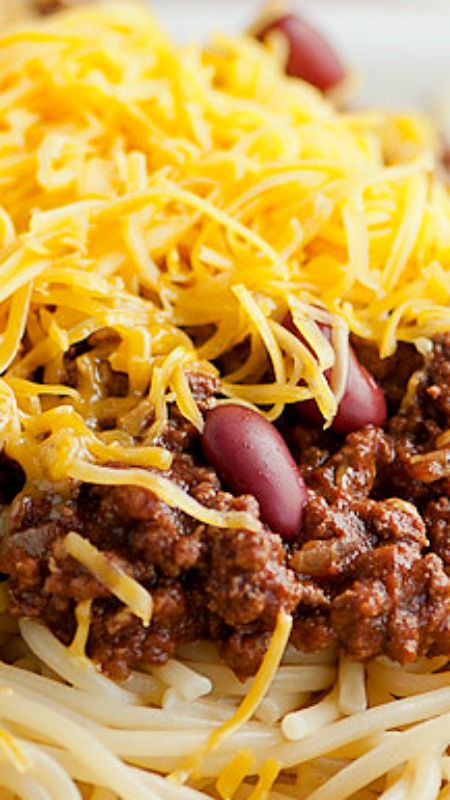 30 minute Cincinnati Style Chili ~ Authentic tasting Cincinnati Style Chili that's ready in 30 minutes, just waiting to be topped with your choice of cheddar cheese, onions and beans.