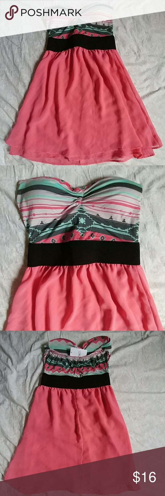 🌅Rue21 coral strapless dress NEW🌅 Coral pink strapless flowy dress with black stretch waist band. Mint green coral and white Aztec design at top with padded bust. Size medium. Cute for party summer barbecue or nice for casual wedding. 🌺New with tags! Rue 21 Dresses Strapless