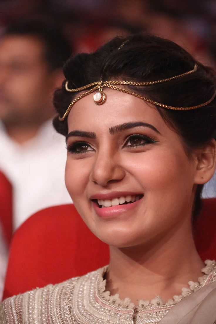 Samantha was born to a Malayali mother and a Telugu father on April 28, 1987 and was raised in Chennai, Tamil Nadu becoming fluent in Tamil language. Despite her mixed ethnic background, Samantha has cited that she sees herself as a Tamil, as she was brought up speaking - See more at: http://cinemeets.com/viewpost.php?id=37&cat=celeact#sthash.dZJ22Ox8.dpuf