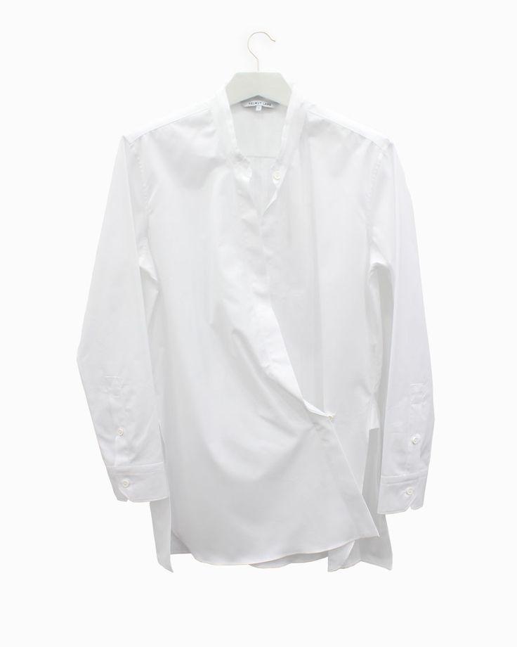 Helmut Lang white shirt #arropame #conceptstore #bilbao #helmutlang  #fashion #fw2015 http://arropame.com/mocasines-chuches-una-necesidad-una-casualidad-un-descubrimiento-un-deseo/