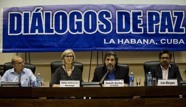FARC y el gobierno aceleran negociación de paz en Colombia