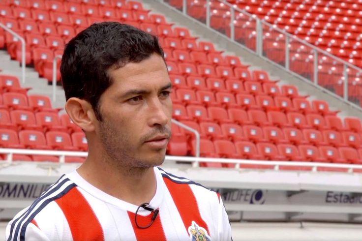 ISRAEL CASTRO LLEGARÍA A LA SEGUNDA B DE ESPAÑA Luego de que el contención no entrara en planes de Chivas para esta nueva temporada, ha tenido que escuchar ofertas del extranjero.