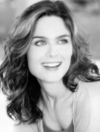 Emily Deschanel. Love her show Bones!