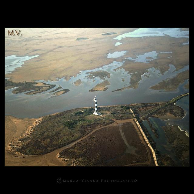 Volando sobre el Delta de l'Ebre by m@®©ãǿ►ðȅtǭǹȁðǿr◄©, via Flickr