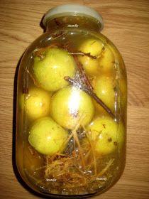 Польза мочёных яблок   Содержание белков и жиров в мочёных яблоках достаточно низкое. А вот углеводы, в частности, сложные, то есть тр...