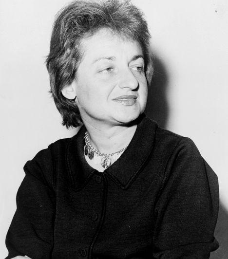 Betty Friedan (1921-2006) Feminista és politikai nézeteiről Friedan öt könyvet írt, közülük a leghíresebb A nő misztikuma. Az 1960-as évek nagyszabású polgárjogi mozgalmainak egyik vezető alakja volt, országos sztrájkot szervezett a nők jogegyenlőségéért, és ő alapította meg a Nemzeti Szervezet a Nőkért elnevezésű mozgalmat is.
