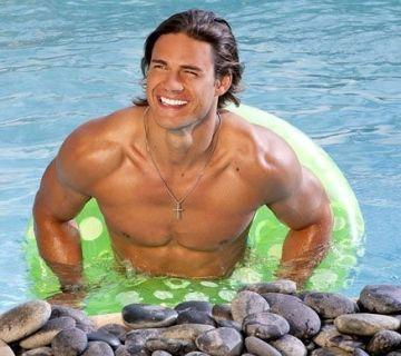 He was the only reason i watched Real World: San Diego