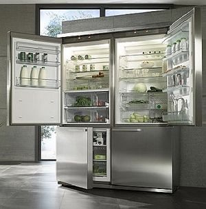 I could so use a gigantic refrigerator like this someday when I have a kitchen big enough to fit it.
