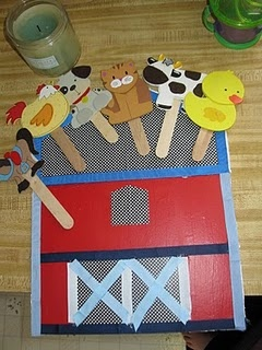 Farm unit puppets and barn. Too cute!!! Can make a flannel board version too. This would be great for stories and songs too.