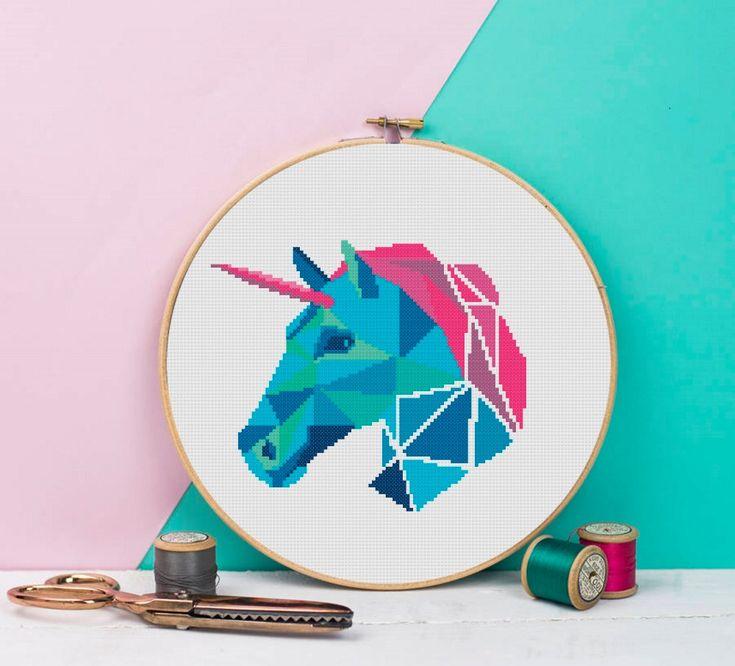Unicornio geométrica cruz puntada patrón abstracto colorido