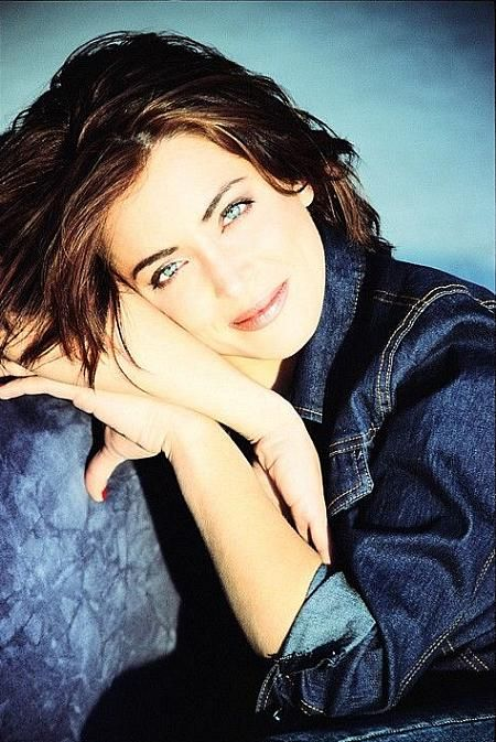 Alanna Ubach, Actress: Meet the Fockers. Alanna Ubach was born on October 3, 1975 in Downey, California, USA as Alanna Noel Ubach. She is an actress, known for Meet the Fockers (2004), See Dad Run (2012) and Legally Blonde (2001).