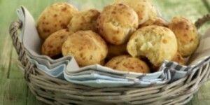Τυροψωμάκια φούρνου με νωπή μαγιά