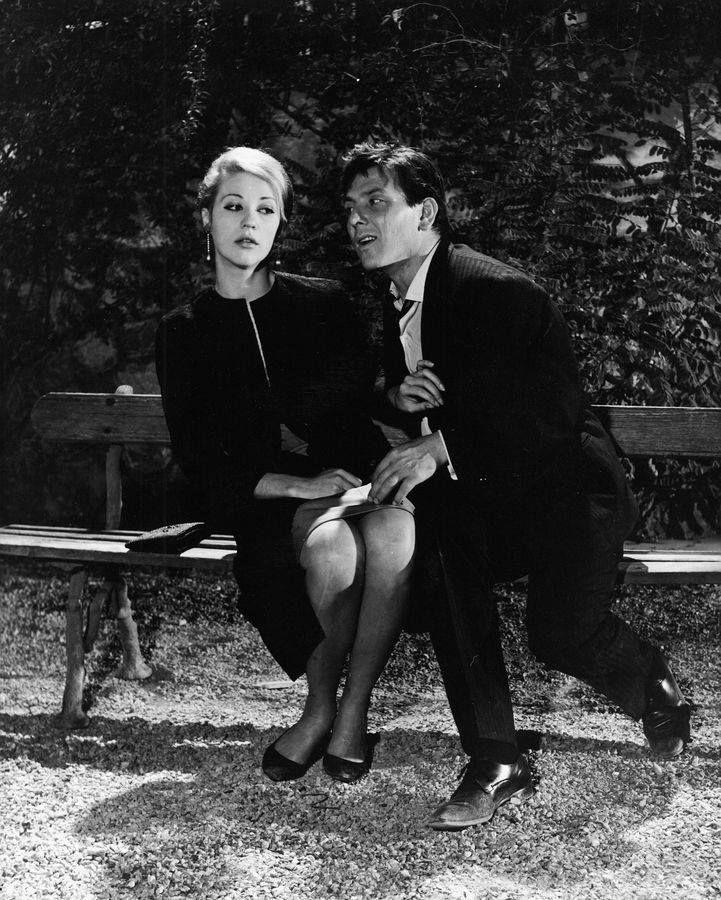 13 Δεκεμβρίου 1965 – Πρεμιέρα για την κωμωδία «Τεντυμπόυ Αγάπη μου» σε σκηνοθεσία Γιάννη Δαλιανίδη και σενάριο Γεράσιμου Σταύρου. Εξαιρετικές ερμηνείες από τον Κώστα Βουτσά και τον Νικήτα Πλατή, ο οποίος πρωταγωνιστεί σε ένα από τους καλύτερους ρόλους της καριέρας του.