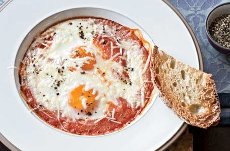 Eggs Baked in Roasted Tomato Sauce via @AOL_Lifestyle Read more: http://www.foodandwine.com/recipes/eggs-baked-in-roasted-tomato-sauce