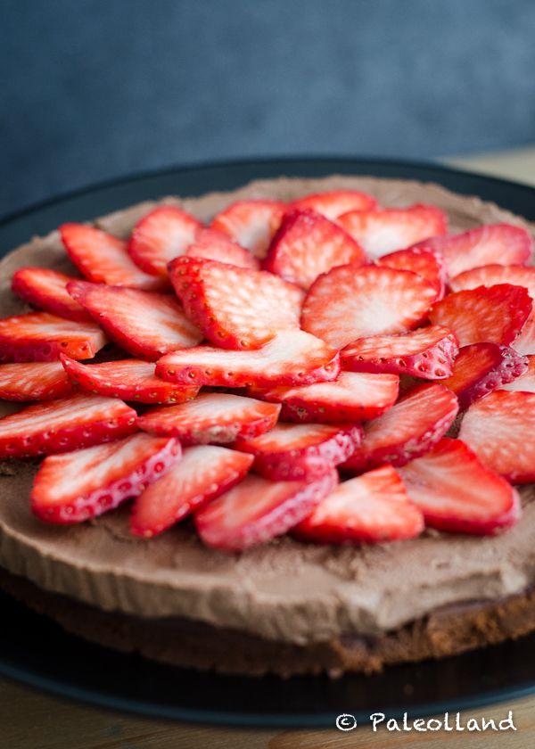 Valentine�s Day Special: Paleo Double Chocolate Strawberry Cake