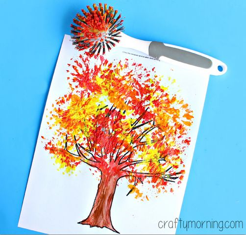 Have your preschoolers and toddlers make this fun fall tree craft. All you need is a dish brush, paint, and this free printable fall tree sheet.