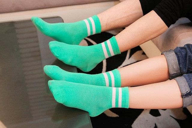 Wholesale Sport brand socks Men and Women 100% Cotton Breathable autumn for football cycling socks yoga Thermosocks colorfuls