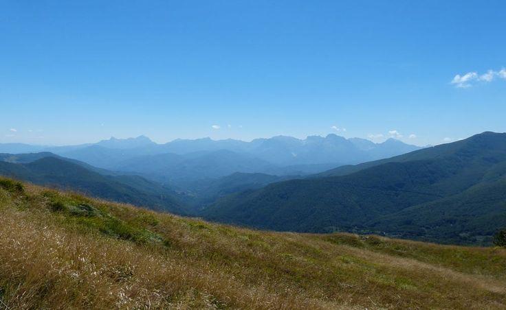 Garfagnana. Profilo delle Apuane nella luce d'estate by Segni dell'Auser on 500px