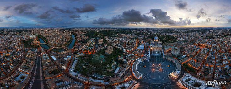 Bazilica Sf. Petru și Piața Sfântul Petru în amurg. Vatican. Catolicism