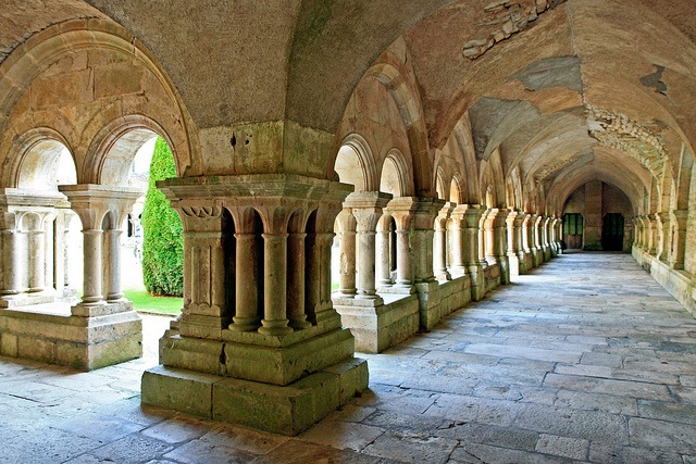Close to Relais Bernard Loiseau: Fontenay abbey. Secluded and sheltered by vegetation, Fontenay abbey remains an amazing sight. This Cistercian 12th century monastery, with its magnificent Roman architecture, has been listed by UNESCO as a World Heritage site since 1981.