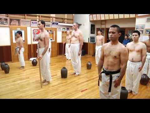 OKINAWA - KARATE UECHI RYU : KIYOHIDE SHINJO - MDV Communication #budo #giappone #video