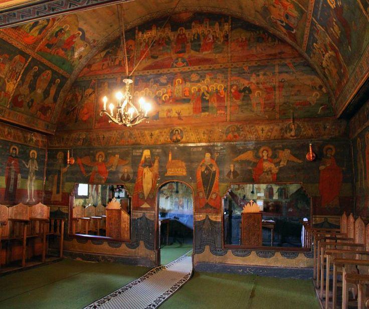 Biserica de lemn din Albac se află la Băile Olănești în județul Vâlcea și datează din anul 1752. Biserica a fost ridicată în satul natal al lui Horea, erou al iobagilor din Ardeal.
