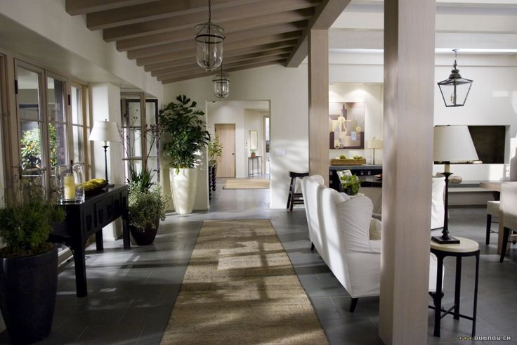 """LA home used in the movie, """"The Holiday."""": The Holidays, Livingrooms, Living Rooms, Movies Sets, Color Schemes, Hallways, Beams, Movies House, Holidays Movies"""