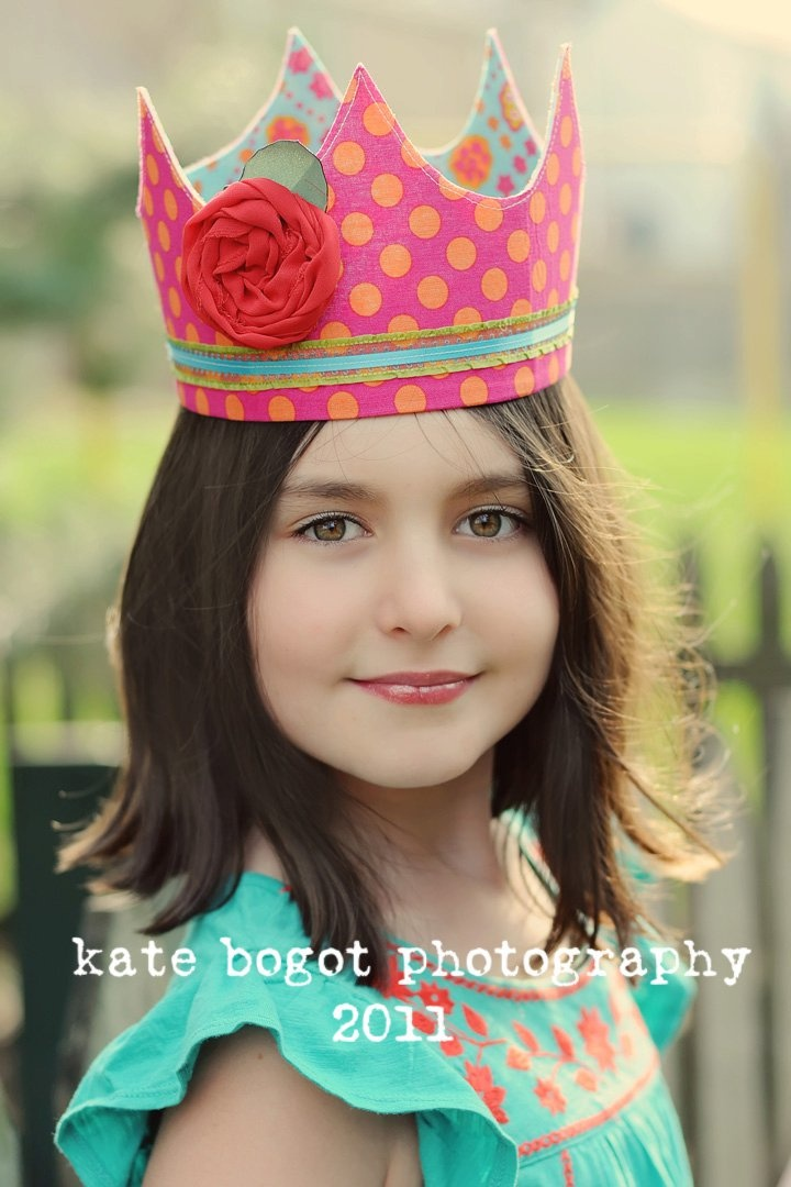 #crown. I have many crown patterns in Paper board and Felt Shape board ~!~