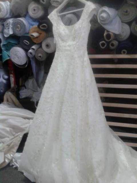 Stock abiti da sposa firmati