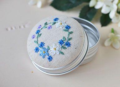花刺繍のアルミ缶