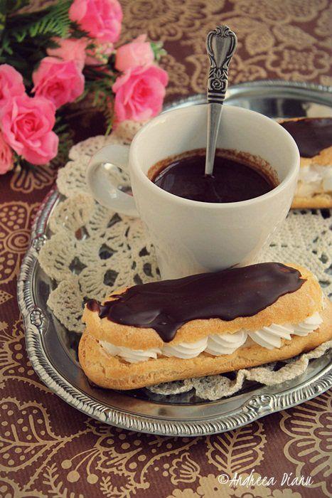 Eclere cu crema caramel