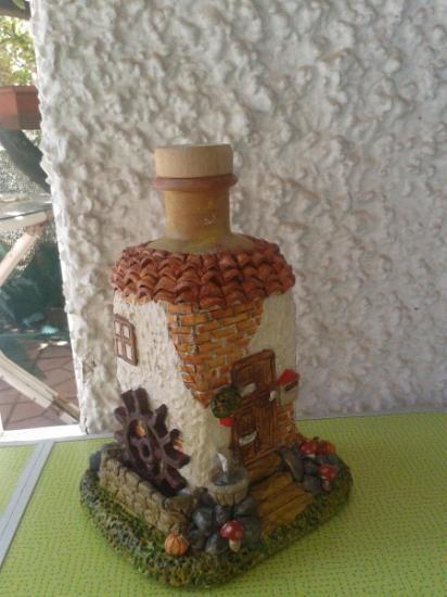 botellas decoradas  pasta de papel,pinturas al oleo amasado