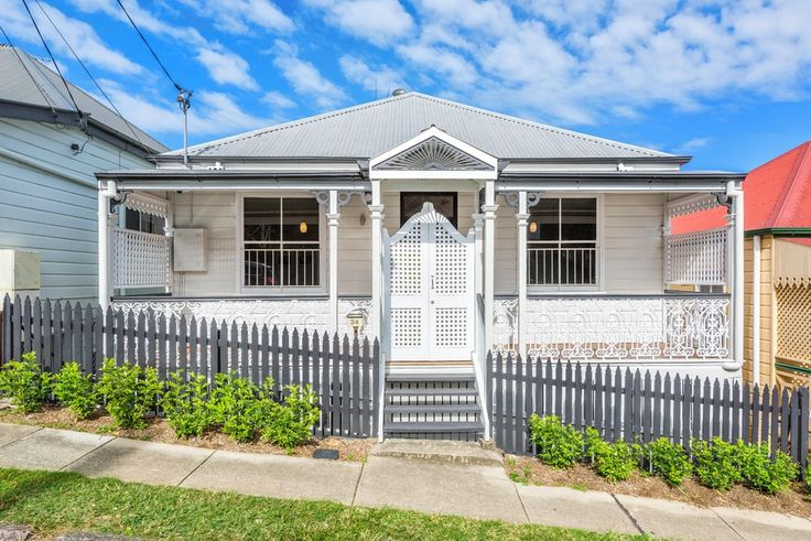 34 Wellington St. Petrie Terrace 4 Bed 2 Bath 2 Car  http://www.belleproperty.com/buying/QLD/City-and-North/Petrie-Terrace/House/20P2496-34-wellington-street-petrie-terrace-qld-4000