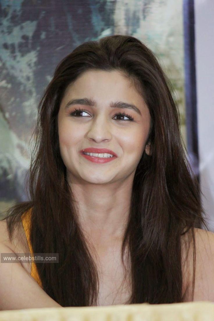 celebstills: Alia Bhatt spicy stills