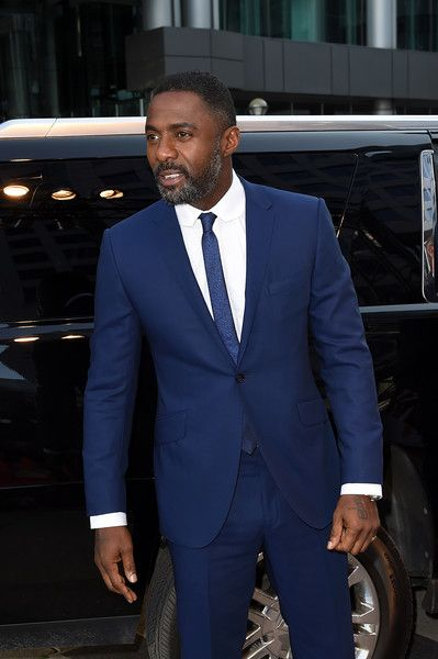 "Idris Elba Photos - Idris Elba attends ""The Mountain Between Us"" premiere during the 2017 Toronto International Film Festival at Roy Thomson Hall on September 10, 2017 in Toronto, Canada. - 2017 Toronto International Film Festival - 'The Mountain Between Us' Premiere - Red Carpet"