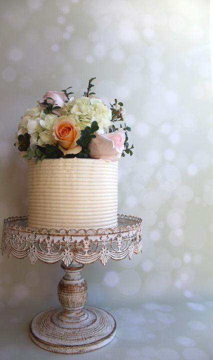 Savannah Georgia Wedding Cake. Simple. Buttercream. Rustic. Fresh Flowers.  Red Velvet