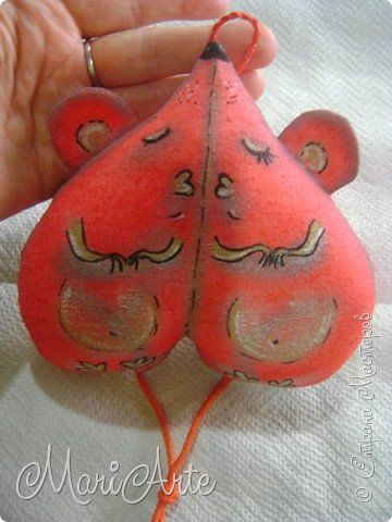 Здравствуйте всем!  Очень понравилась мне идея Виктора, сердечко с птичками, вот его работа  (обложка на паспорт) http://stranamasterov.ru/node/997496 фото 8