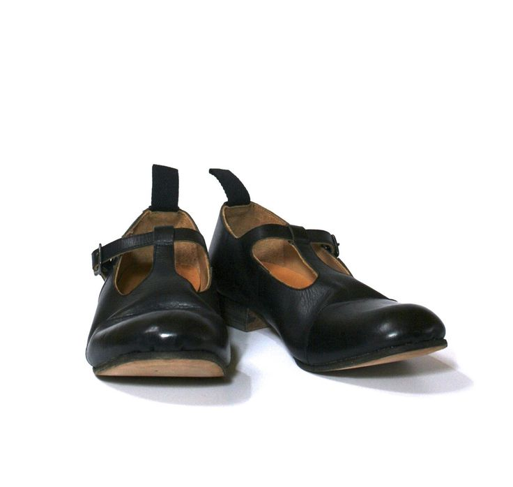 Shop FARMER'S SHOES T-STRAP BLACK – by Garment Reproduction of Workers, €458 at Vathir.com | T-strap shoes in leather, inspired by vintage European farmers' workwear.