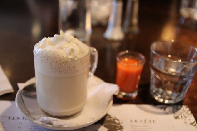 Brunch gargantuesque au Regine Cafe [Montreal] - Marinette Saperlipopette - Blog Montréal Lifestyle   Marinette Saperlipopette – Blog Montréal Lifestyle