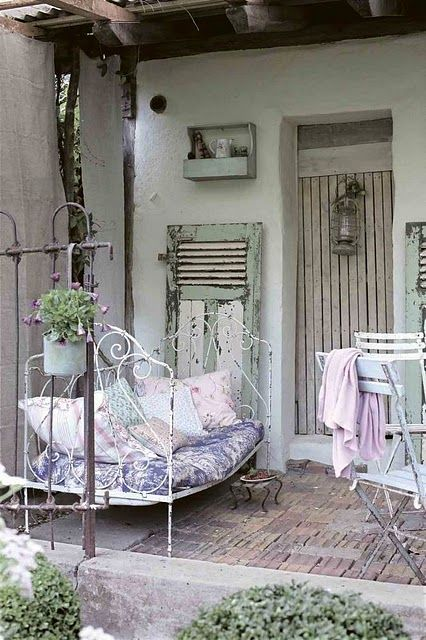 Reminds me of a summer afternoon...all I would need is a good book!  Absolutely charming!