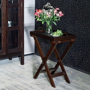 Шкаф посудный из массива тика Mera из массива тика, богатый темный фон, латунная фурнитура. Отделка — walnut brown. http://www.teakhouse.ru/ru/mebel/shkafy/posudnye_shkafy/shkaf_posudnyy_mera/