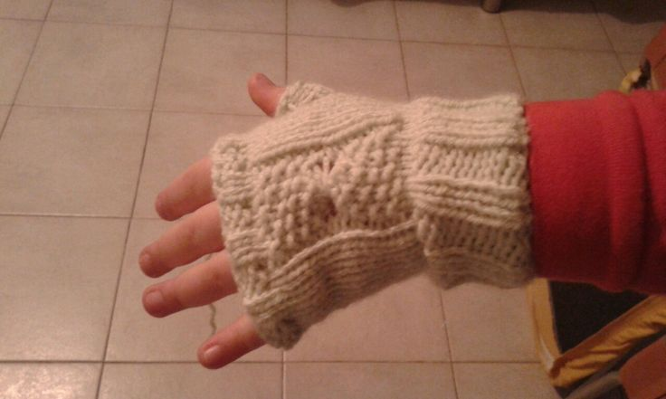 Fingerless gloves with bow for my little lady  she ask i do...