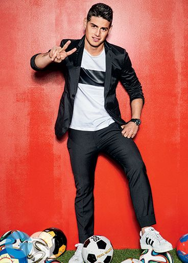 James Rodríguez wearing an #EmporioArmani suit and t-shirt