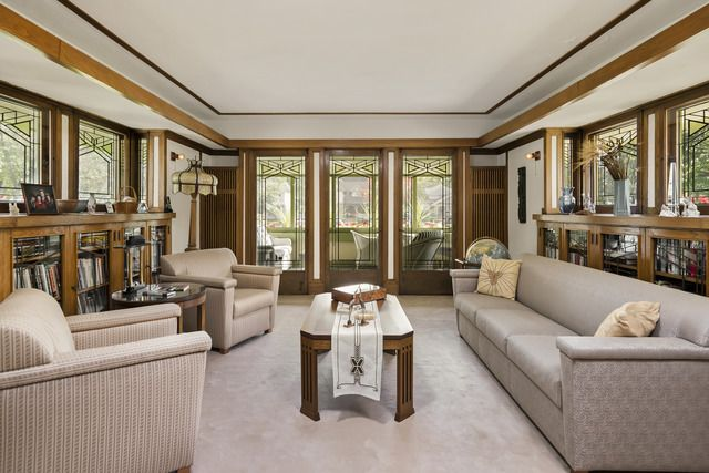 Frank Lloyd Wright homes for sale around Chicago - Curbed Chicagoclockmenumore-arrownoyes : If you're looking for a house designed by Frank Lloyd Wright, you have some options