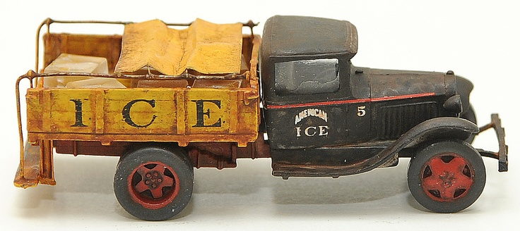 1/87 scale weathered Ford AA ice truck