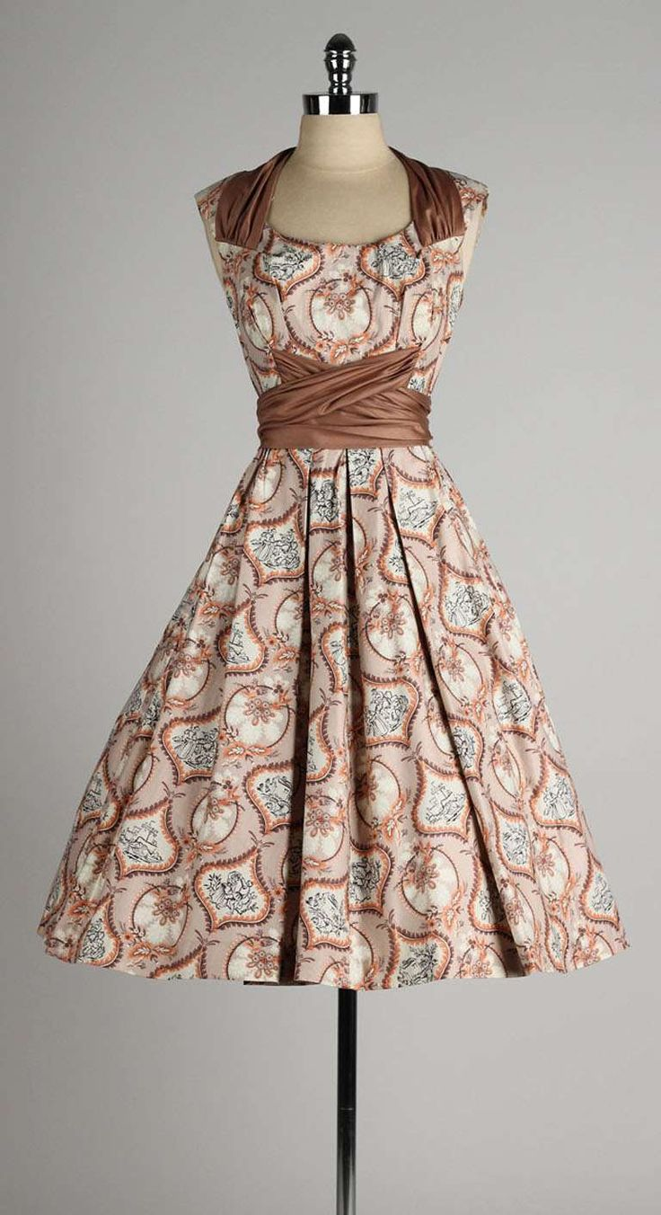 Vintage 1950's Marjae of Miami Polished Cotton Victorian Novelty Print Dress