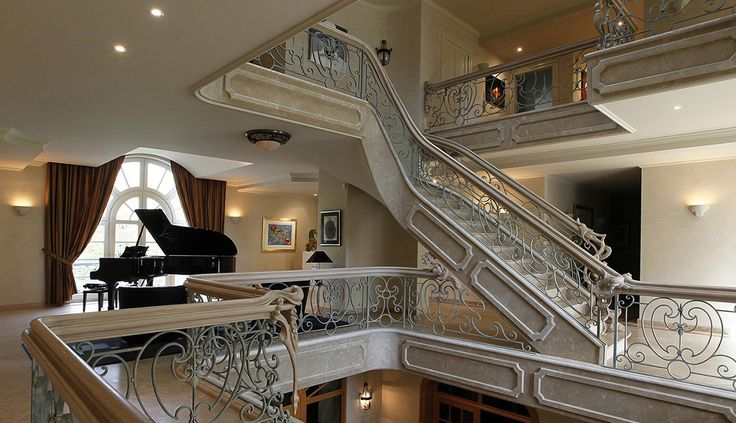 Faites un tour dans cette magnifique #villa à #Anvers sur fond d'une belle chanson interprétée au piano. #Belgique #music #luxuryhomes #luxuryvilla #luxurylifestyle #perfect #home #millionaire